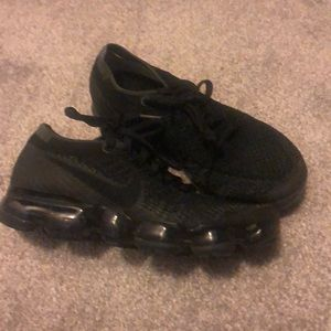 Nike Triple Black Vapor Max